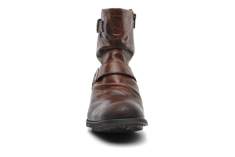 Bottes Base London Metal Marron vue portées chaussures