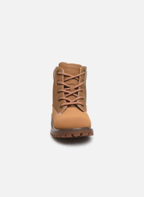 Zapatos con cordones Skechers Mecca Marrón vista del modelo