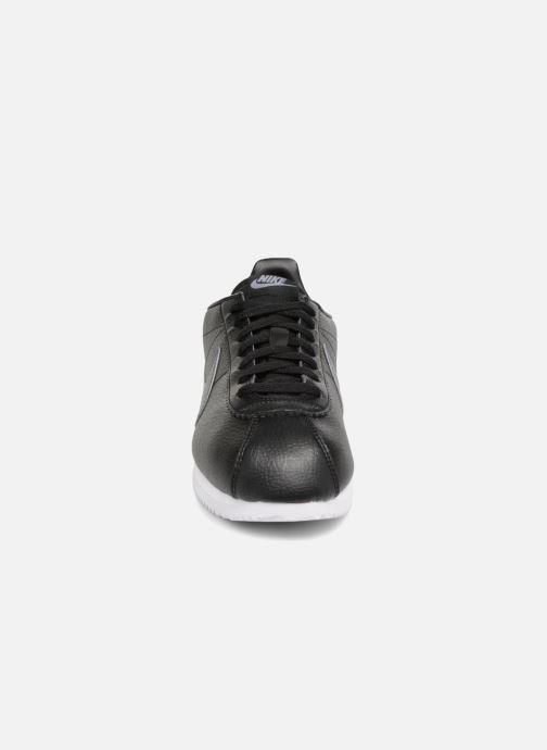 Sneaker Nike Classic Cortez Leather schwarz schuhe getragen