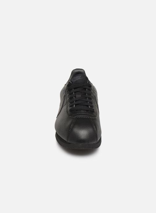 Deportivas Nike Classic Cortez Leather Negro vista del modelo