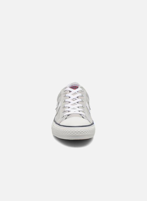 Baskets Converse Star Player Ev Canvas Ox M Gris vue portées chaussures