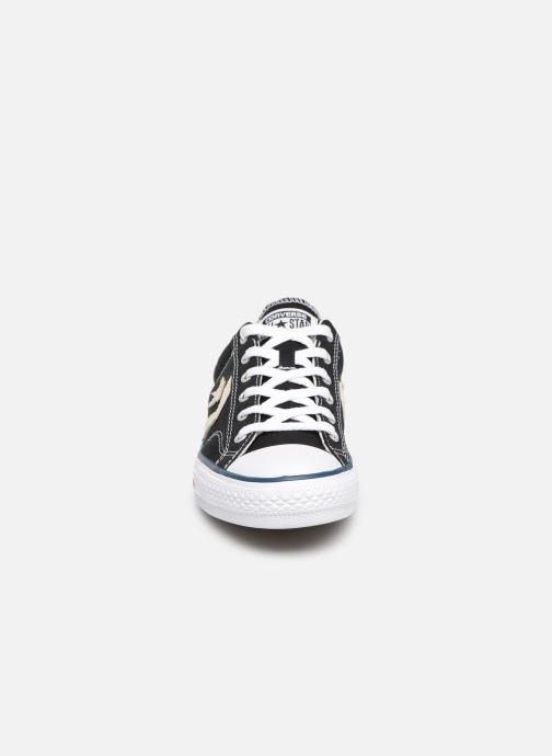 Sneakers Converse Star Player Ev Canvas Ox M Nero modello indossato