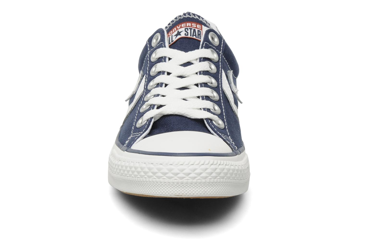 Sneakers Converse Star Player Ev Canvas Ox M Azzurro modello indossato