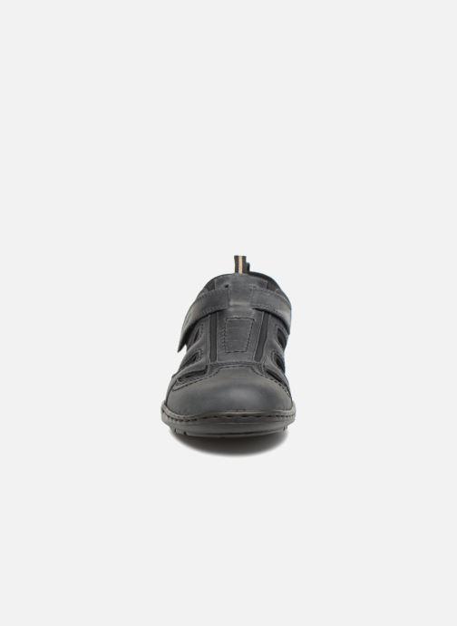 Sandali e scarpe aperte Rieker Rolf Nero modello indossato