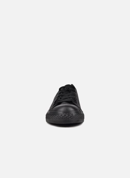 Sneakers Converse Chuck Taylor All Star Monochrome Leather Ox W Nero modello indossato