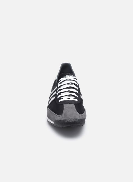 Baskets adidas originals SL 72 Noir vue portées chaussures