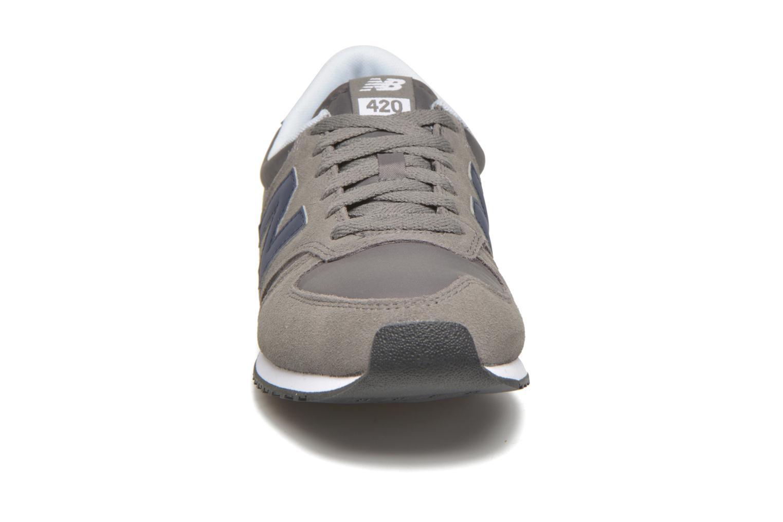 Trainers New Balance U420 Grey model view