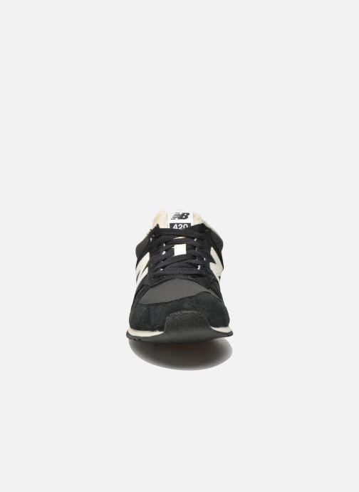 Sneakers New Balance U420 W Zwart model