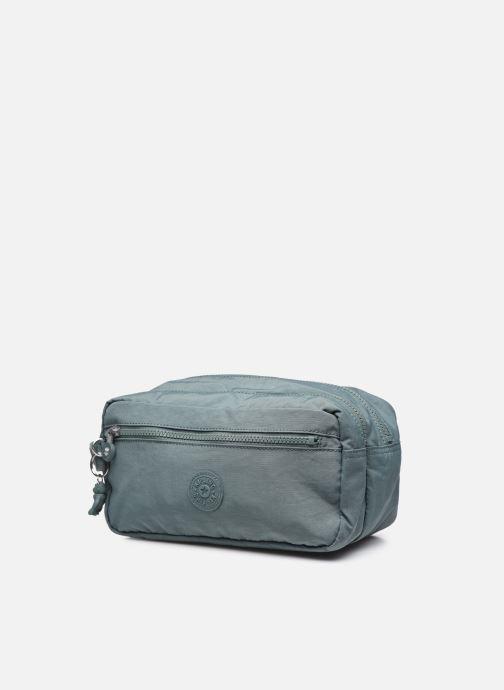 Bagagli Kipling Agot Verde modello indossato