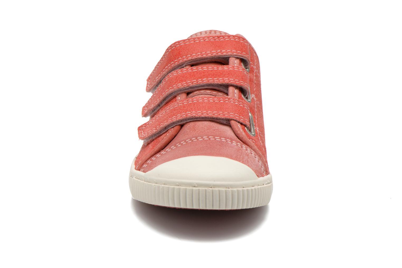 Sneakers Pataugas Bistrot Rosso modello indossato
