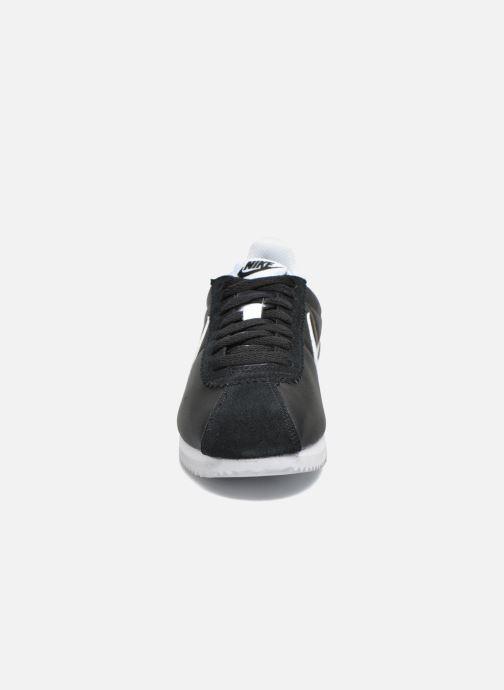 Deportivas Nike Wmns Classic Cortez Nylon Negro vista del modelo