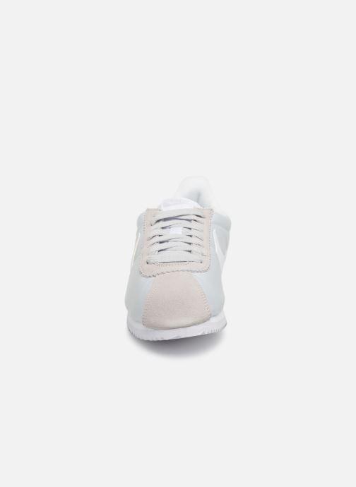 Sneakers Nike Wmns Classic Cortez Nylon Grigio modello indossato