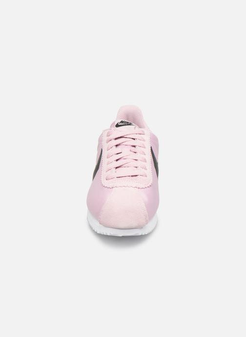 Baskets Nike Wmns Classic Cortez Nylon Rose vue portées chaussures