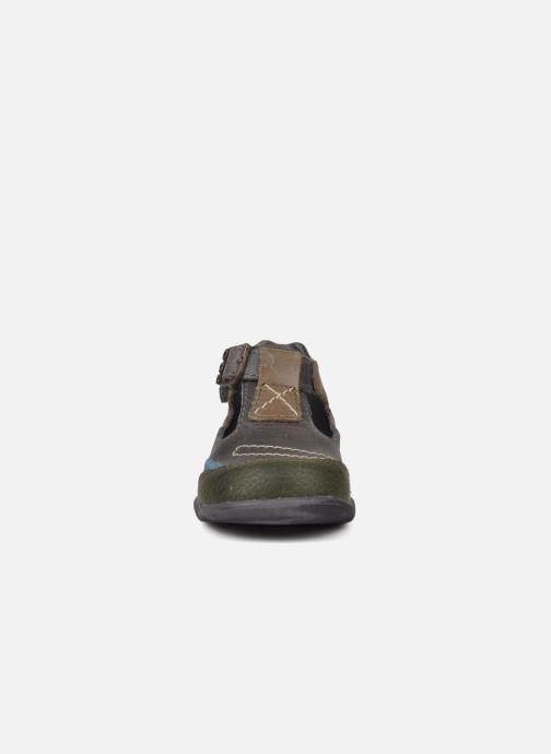 Bottines d'été GBB Lamas Gris vue portées chaussures