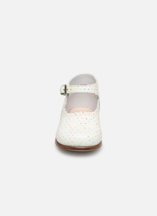 Ballerines Little Mary Vocalise Blanc vue portées chaussures