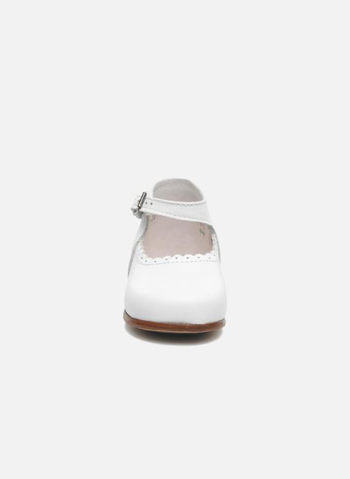 Ballet pumps Little Mary Vocalise White model view