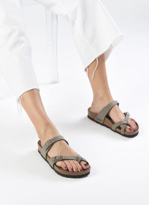 Clogs & Pantoletten Birkenstock Mayari grau ansicht von unten / tasche getragen