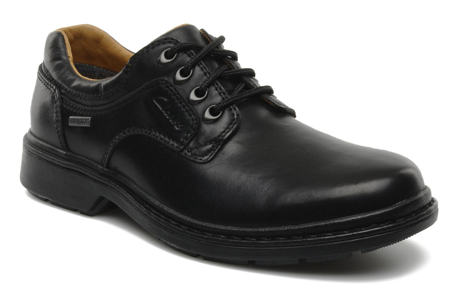 Lace-up shoes Clarks Rockie Lo Gtx Black detailed view/ Pair view