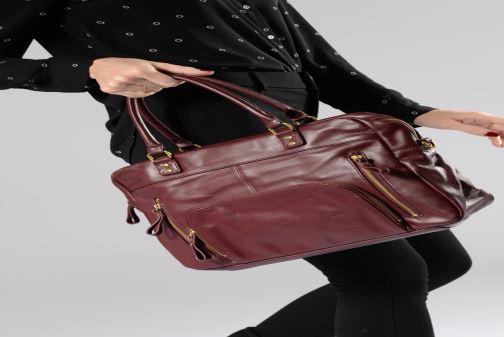 Handtaschen Nat & Nin Macy schwarz ansicht von unten / tasche getragen
