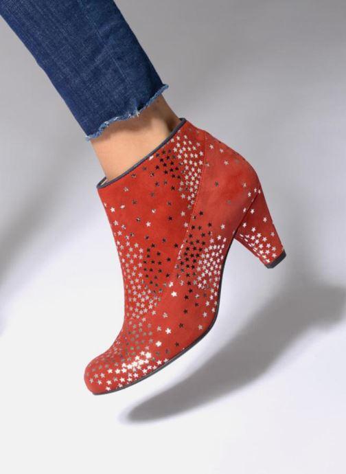 Bottines et boots Annabel Winship Guerin Rouge vue bas / vue portée sac