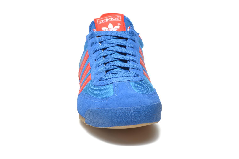 Baskets Adidas Originals Dragon Bleu vue portées chaussures