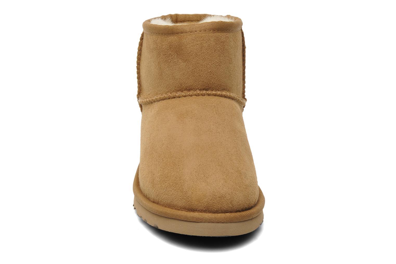 Bottines et boots UGG T-K Classic Mini Beige vue portées chaussures