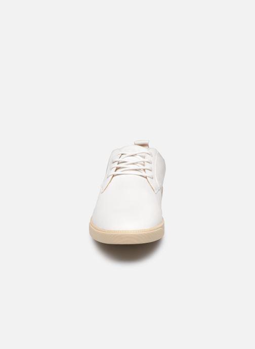 Baskets Clae Ellington Blanc vue portées chaussures