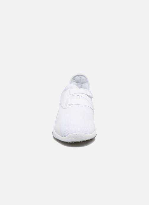 Baskets Puma Mostro mesh Blanc vue portées chaussures