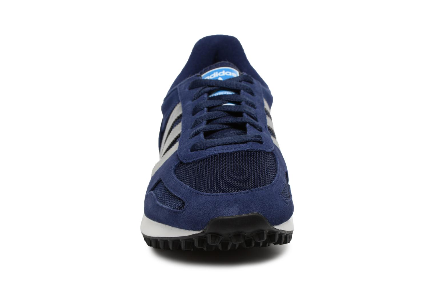 Trainers Adidas Originals LA Trainer Blue model view
