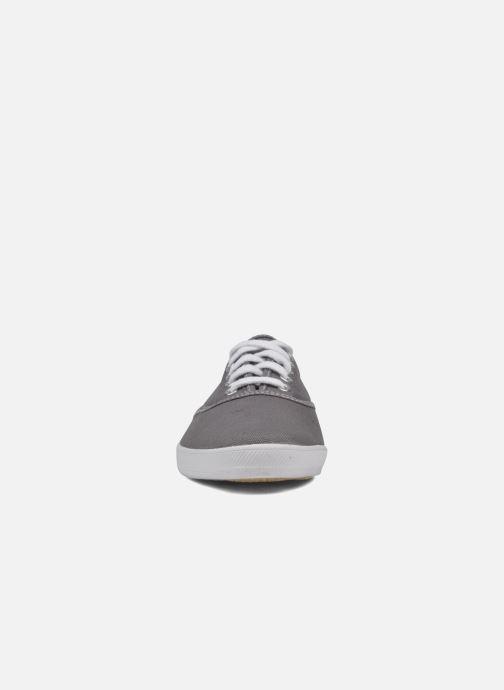 Sneakers Keds Champion cvo m Grigio modello indossato