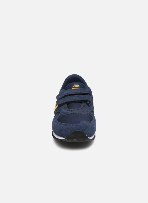 Baskets New Balance KV420 Bleu vue portées chaussures