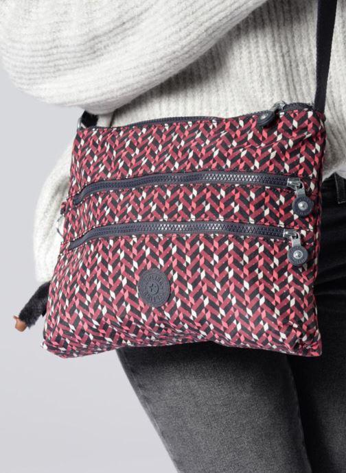 Handtaschen kipling Alvar blau ansicht von unten / tasche getragen
