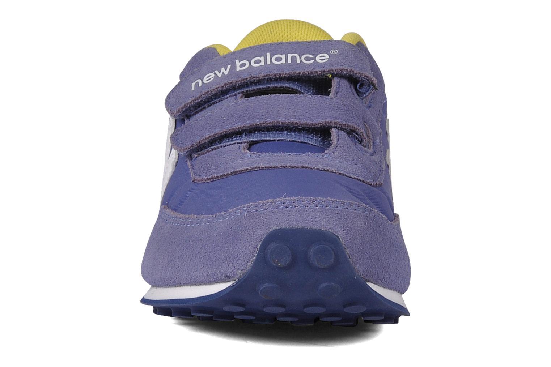 Baskets New Balance KE410 Bleu vue portées chaussures