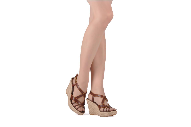 Sandales et nu-pieds C.Petula Leia Marron vue bas / vue portée sac
