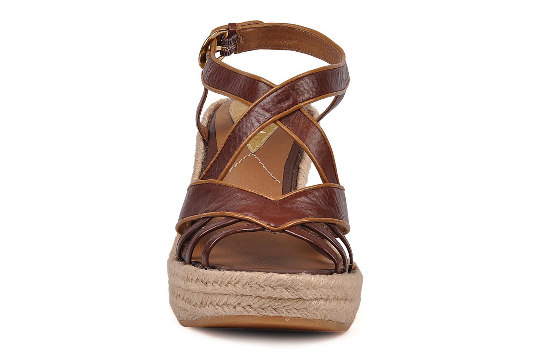 Sandales et nu-pieds C.Petula Leia Marron vue portées chaussures