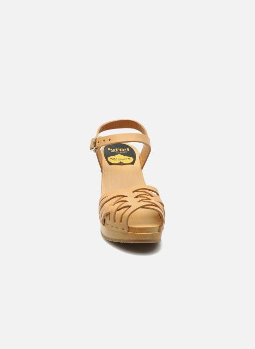 Sandali e scarpe aperte Swedish Hasbeens Braided sky high Beige modello indossato