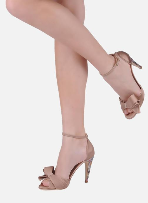 Sandales et nu-pieds Charles Jourdan Manray Marron vue bas / vue portée sac