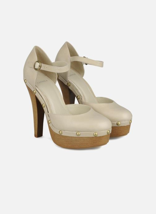High heels Carvela Acorn Beige 3/4 view