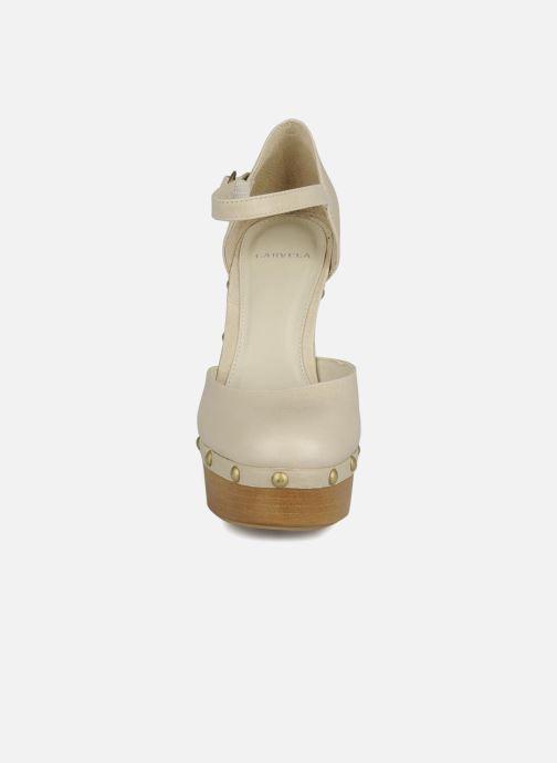 Escarpins Carvela Acorn Beige vue portées chaussures