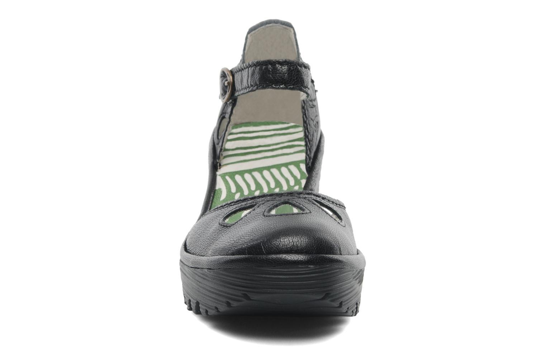 Sandalen Fly London Yuna schwarz schuhe getragen