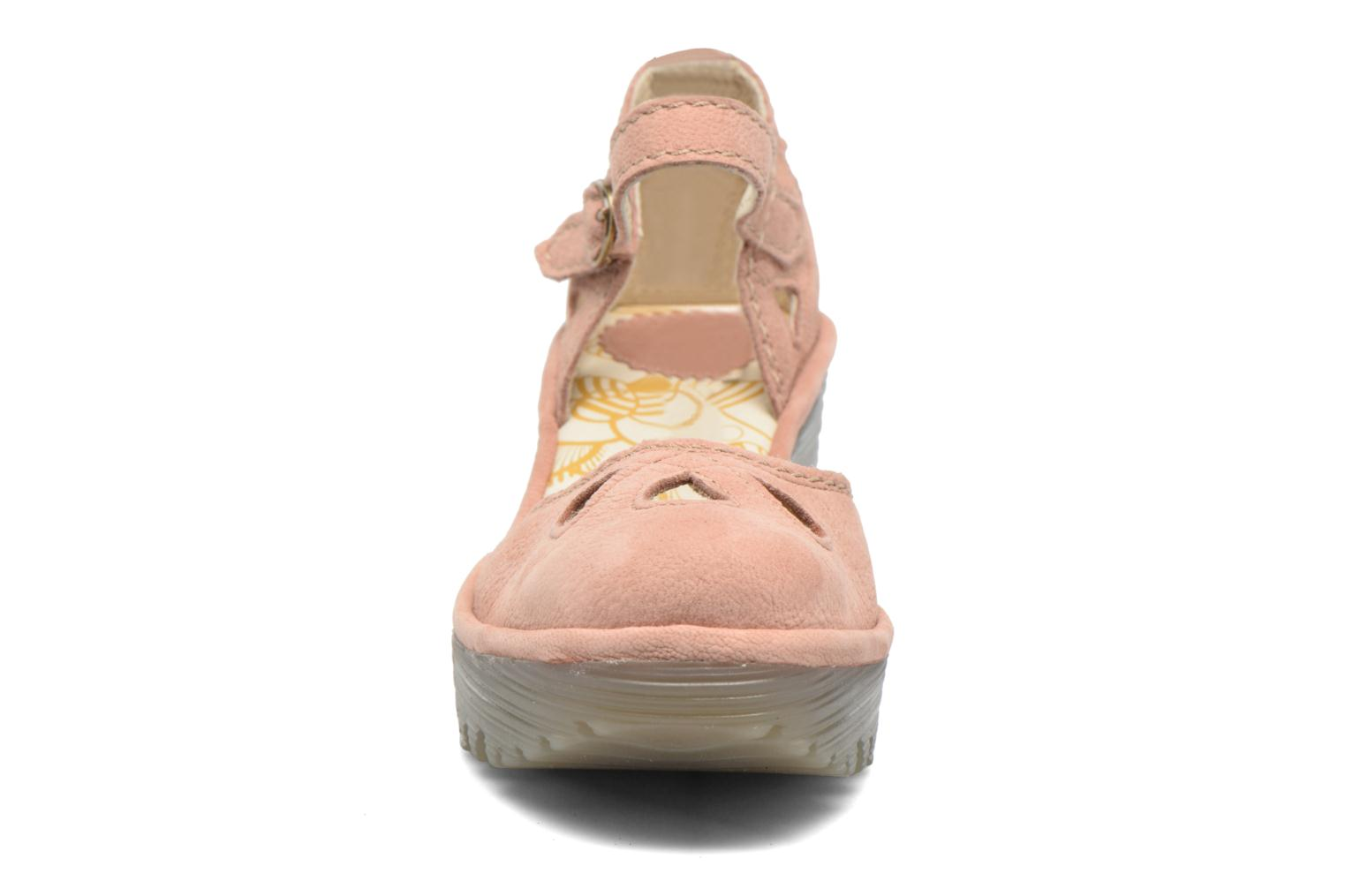 Sandalias Fly London Yuna Rosa vista del modelo