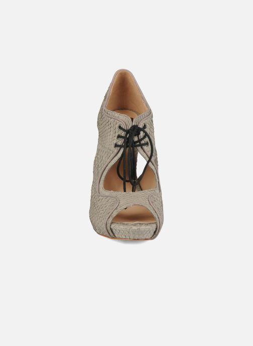 Sandalen Pour La Victoire Rima grau schuhe getragen