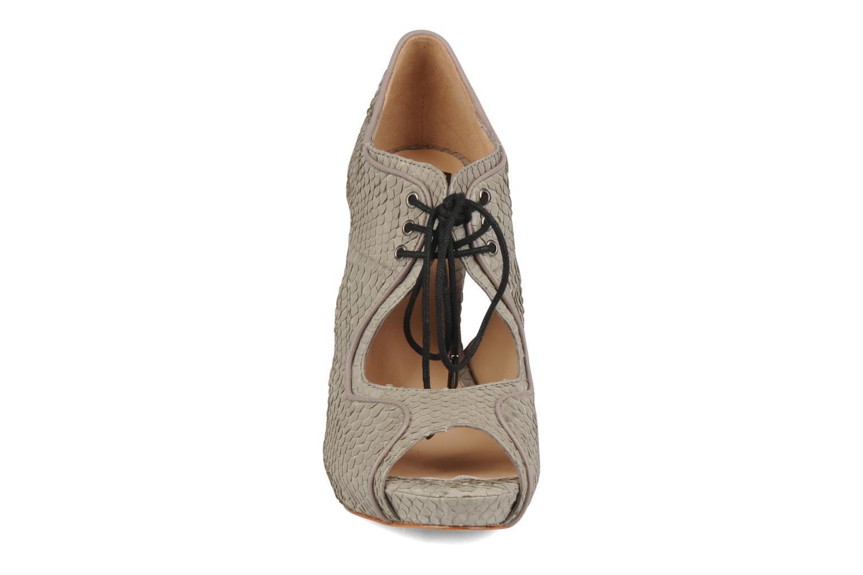 Sandales et nu-pieds Pour La Victoire Rima Gris vue portées chaussures