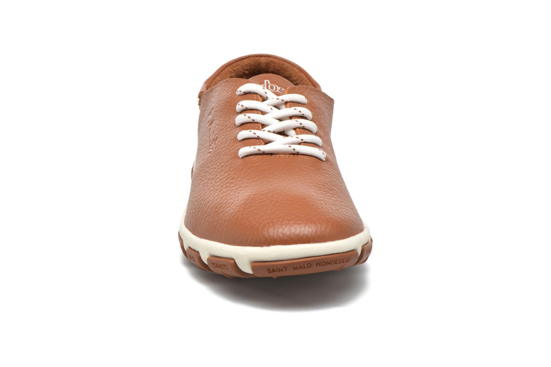 Snörade skor TBS Jazaru Brun bild av skorna på