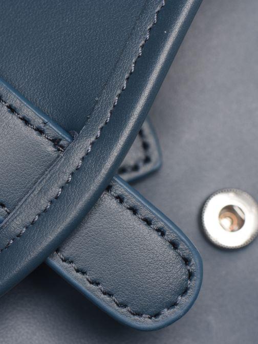 Portemonnaies & Clutches Nat & Nin Patty blau ansicht von links