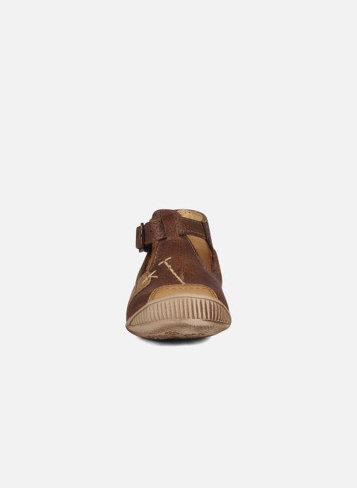 Sommersko GBB Logan Brun se skoene på
