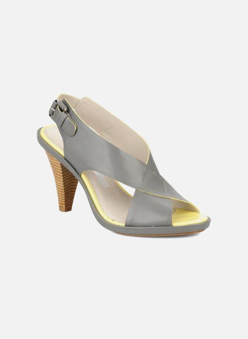 Sandales et nu-pieds Miezko Hugalia Marron vue détail/paire