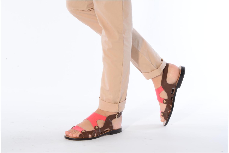 Sandales et nu-pieds Miezko Fluota Marron vue bas / vue portée sac
