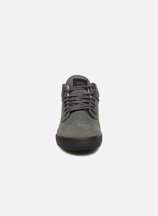 Chaussures de sport Globe Motley mid Vert vue portées chaussures