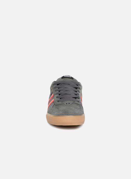 Chaussures de sport Globe Encore 2 Gris vue portées chaussures
